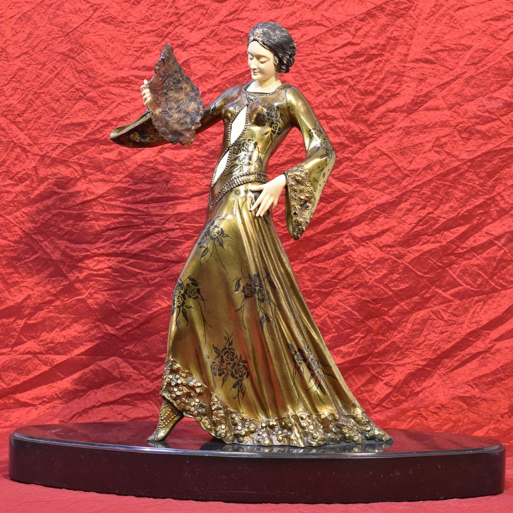 A antique sculpteres art déco anni trenta antimony sculptures antimony figurines woman with folding fanantimony statue 1930.jp